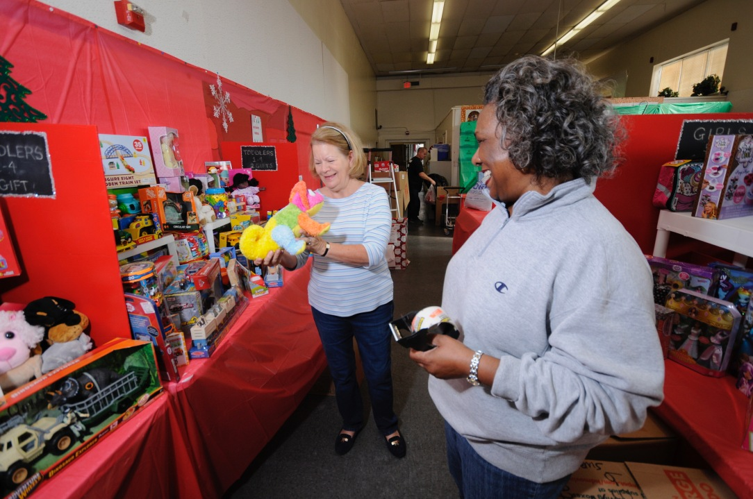 11302017 United Community Ministries Toy Closet photos and video - 235 of 248